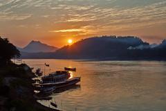 Luang Prabang – Mekong River sunset (Thomas Mulchi) Tags: luangprabang laos 2019 people person persons happyplanet asiafavorites
