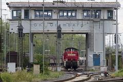 Gnf Gremberg (Disktoaster) Tags: eisenbahn zug railway train db deutschebahn locomotive güterzug bahn pentaxk1