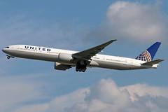 N2341U UNITED 777-300ER leaving KCLE (GeorgeM757) Tags: n2341u united aircraft aviation airport boeing 777300er kcle clevelandhopkins georgem757 canon70d
