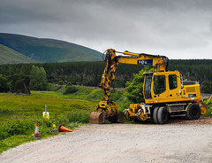 Parked with a view. (HivizPhotography) Tags: liebherr rail a900 excavator earthmoving ses grapple railway construction machine digger yellow scotland uk
