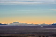 Sunset at Salar de Uyuni - Bolivia (W_von_S) Tags: salardeuyuni uyuni salzsee salzwüste salar salz wasser desert sunset bolivia bolivien berge mountains light licht sky himmel landschaft landscape paysage paesaggio panorama natur nature wvons werner sony sonyilce7rm2 outdoor anden andes