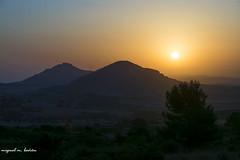 dawning (miguelmoll387) Tags: sunrise amanecer dawning alborada sol sun arbol tree montaña mountain cielo sky nikon nikond7100 objetivosigma sigma1770 sigma españa