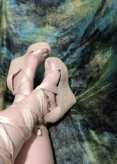 IMG_20190808_162027793~2 (eirenna_unveiled) Tags: foot feet toes legs sandals polishedtoes polishedtoenails