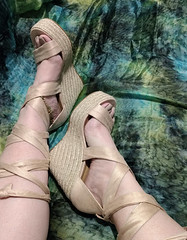 IMG_20190808_162351820~2 (eirenna_unveiled) Tags: foot feet toes legs sandals polishedtoes polishedtoenails
