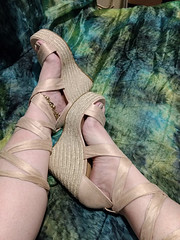 IMG_20190808_162816203_BURST000_COVER (eirenna_unveiled) Tags: foot feet toes legs sandals polishedtoes polishedtoenails