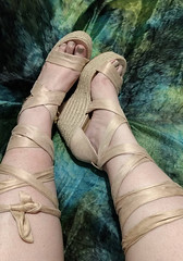 IMG_20190808_162853931~2 (eirenna_unveiled) Tags: foot feet toes legs sandals polishedtoes polishedtoenails