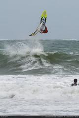 Killer Loop (Ludtz) Tags: ludtz bretagne breizh trévignon pointedetrévignon 29 pennarbed finistère stormyweather storm stormatsea tempête avisdetempête vagues waves mer ocean océanatlantique plage beach rock rocher rocks rochers sea surf surfer brittany canon canoneos5dmkiii 5dmkiii ef300|4lis windsurf funboard jump saut