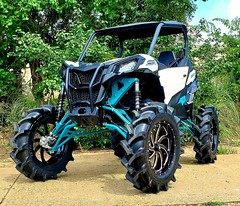 "Maverick Sport CATVOS 8"" lift www.catvos.net (CATVOS) Tags: catvos canam x3 customatv utv lift maverick polaris rzr ranger bkt tires customatvofshreveport"