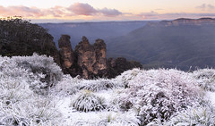 Once In A Lifetime (Emerald Imaging Photography) Tags: katoomba three thethreesisters snow valley sunrise sydney newsouthwales nsw australia australian australianlandscape cloud clouds