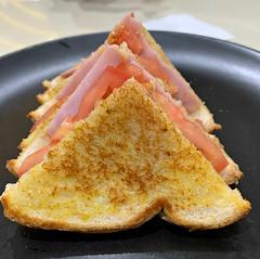 2019 Sydney: Toasted Sandwich (dominotic) Tags: food bread sydney australia foodphotography 2019 yᑌᗰᗰy iphonexsmax hamcheesetomatotoastedsandwich explore