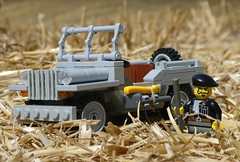 Jeep in the Field (captain_j03) Tags: toy spielzeug 365toyproject lego minifigure minifig moc car auto jeep 6wide willysjeep