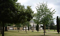 JUST A GLIMPSE OF CHISWICK HOUSE (toms.annette) Tags: englishheritage chiswickhouse chiswick house and gardens what a treasure glorious 18thcentury british architecture palladios 1550 villa rotunda