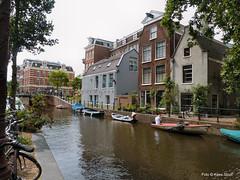 Lijbaansgracht 6-8-2019 (k.stoof) Tags: amsterdam centrum canal lijbaansgracht gracht gevels facades boat bike