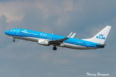 "[CDG] KLM ""100 Years Sticker"" Boeing 737-800 _ PH-BXF (thibou1) Tags: thierrybourgain cdg lfpg spotting aircraft airplane nikon d810 tamron sigma klm 100years boeing boeing737 b737 b737800 b738 phbxf takeoff"