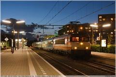 RFO 1828 + BE E01 | Alphen a/d Rijn | 04-05-2019 (DDZ 7504) Tags: alphenadrijn dinnertrain tour restauranttrein station 33242 bentheimereisenbahn be e01 1835 1800 1600 ns alstom alsthom railpromo rfs woerden rfo railforceone 1828 rrl railrelease nezcassé amsterdam 04052019 railpromofleetservices