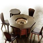 炉付き八角テーブルの写真