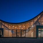グローカルな複合施設の写真