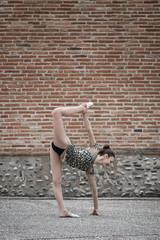 (dimitryroulland) Tags: nikon d750 85mm 18 dimitryroulland performer art artist dance dancer gym gymnast gymnastics red wall pointe flexible people flexibility urban street city toulouse fitness