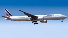 Boeing 777-328(ER) F-GSQE Air France (William Musculus) Tags: paris charles de gaulle roissy roissyenfrance lfpg cdg airport aviation plane airplane spotting william musculus fgsqe air france boeing 777328er af afr 777300er