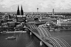 Köln (ELECTROLITE photography) Tags: köln hohenzollernbrücke rhein dom kölnerdom cologne river bridge blackandwhite blackwhite bw black white sw schwarzweiss schwarz weiss monochrome einfarbig noiretblanc noirblanc noir blanc electrolitephotography electrolite
