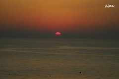 Just in front of my eyes (AmenHopHis) Tags: sunrise sun sea amanecer sol salidadelsol