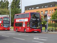 SLN 12376 - YX16DGP - ELTHAM ROAD YORKSHIRE GREY - SAT 10TH AUG 2019 (Bexleybus) Tags: stagecoach london selkent 12376 yx61dgp adl dennis enviro 400 mmc tfl route 122 road eltham green yorkshire grey roundabout