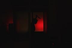L'heure du crime .. [série Rouge ] (leblondin) Tags: composition ombre ombreschinoises sombra couteau knife redlight lumiererouge crime scenedecrime