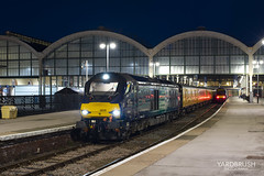 Cats at Hull (Yardbrush) Tags: 68 cat drs directrailservices testtrain hull 68008 68009 avenger titan diesel caterpillar night nightrailphotography evening train testing 1q53 doncaster doncasterwestyard derby derbyrtc