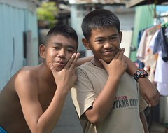 boys who want you to know how handsome they are (the foreign photographer - ฝรั่งถ่) Tags: two boys khlong lard phrao portraits bangkhen bangkok thailand nikon d3200