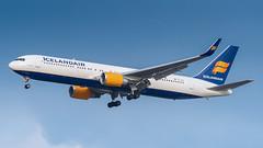 TF-ISN (gankp) Tags: boeing washingtondullesinternationalairport arrivals dulles tfisn icelandair 767319er reykjavik