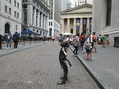2019 Fearless Girl bronze sculpture Wall Street NYC 7274 (Brechtbug) Tags: 2019 fearless girl bronze sculpture by kristen visbal commissioned state street global advisors ssga the statue was installed march 7th 2017 anticipation international womens day depicting defiant four foot high located front new york stock exchange financial district manhattan city august 08102019 nyc young lady
