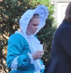 participante do Festival do Folclore 2019 (Jakza) Tags: festivaldofolclore2019 pessoa mulher chapéu chopp trajetipico azul