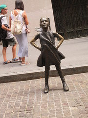 2019 Fearless Girl bronze sculpture Wall Street NYC 7276 (Brechtbug) Tags: 2019 fearless girl bronze sculpture by kristen visbal commissioned state street global advisors ssga the statue was installed march 7th 2017 anticipation international womens day depicting defiant four foot high located front new york stock exchange financial district manhattan city august 08102019 nyc young lady