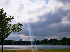 Morning Walk. Hyde Park. London. (dagboshoots) Tags: outdoor day walk travel morning sunshine summer london hydepark pond cloud blue sky p20pro huaweip20pro