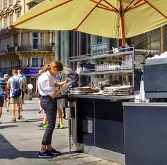 Vienna Wien - waitress (Oliver Kuehne) Tags: street