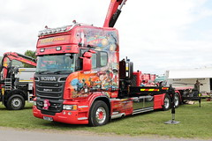 Terry Peach Scania R500 R500TMP Malvern Truckfest 2019 (davidseall) Tags: terry peach scania r500 r500tmp malvern truckfest 2019 super tmp toy story graphics airbrushed airbrush lorry truck faltbed rigid large heavy goods vehicle v8 lgv hgv worcestershire uk haulage hiab crane assisted transport