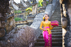 Bali costume (Patrick Foto ;)) Tags: adult agriculture art balineseculture beauty ceremony costume dancing dress fashion females hinduism indonesia indonesianculture island landscapescenery morning nature outdoors parade people photography religion ruralscene sarong street temple tourism tradition travel tropicalclimate walking women asia bali model summer teenage yong karangasem