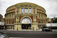 Proms at the Royal Albert Hall, London (TerryCym) Tags: royalalberthall kensington proms queensgate kensingtongore superelmarm13421asph london leicacameraagleicam building bbc england promenade leica
