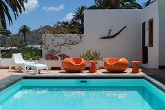 Time travel (•Nicolas•) Tags: canaryislands holidays lanzarote m9 nicolasthomas spain pool colors vintage manrique home