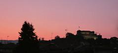 Burg wacht auf a (AnnAbulf) Tags: fvg fjv friauljulischvenetien friuliveneziagiulia gorizia görz sonnenuntergang tramonto cielo himmel silhouette profilo albero baum castello burg schlosburg