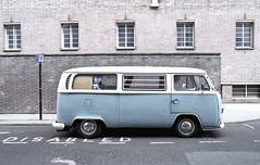 Kombi (Manuel Goncalves) Tags: liverpool street kombi volkswagen car 35mmcolourfilm analogue nikonf3 nikkor28mm fujifilm100 epsonv500scanner
