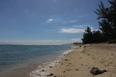 Plage de l'Ermitage (kaneto974) Tags: ermitage lhermitage plage iledelaréunion ouest soleil filaos