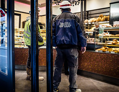 LunchBreak.jpg (Klaus Ressmann) Tags: klaus ressmann omd em1 fparis france peoplestreet winter bakery candid flcpeop streetphotography unposed workman klausressmann omdem1