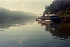 Iguazù (mavricich) Tags: argentina agua analógico analogic rio rangefinder olympus lomography lomo iguazú 35sp