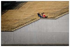 Place in the sun (frodul) Tags: architektur ausenansicht diagonale gebäude gebäudekomplex linie outdoor stair stairway step stufe treppe verwaltungsgebäude berlin sonnenplatz aufgang people