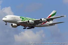 Emirates, A6-EOJ : EXPO 2020 (Thomas Naas Photography) Tags: england grossbritannien great britain london lhr egll flughafen airport flugzeug aircraft airplane aviatik aviation airbus a380 a388 a380800 emirates expo 2020 green color