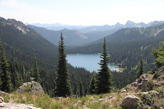 Dewey Lake from Naches Peak Loop Trail (jlcummins) Tags: mountrainiernationalpark washingtonstate piercecounty deweylake