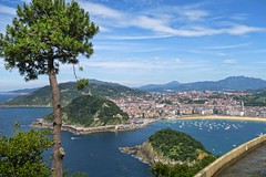 San Sebastian - Donostia (barbmz) Tags: view monte igueldo basque country spain donostia sansebastian baskenland küste coat atlantic concha