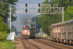 Metra BNSF West Line - Downers Grove (tim_1522) Tags: railroad railfanning rail illinois il metra bnsf burlingtonnorthernsantafe bn burlingtonnorthern racetrack chicago sub subdivision passenger commuter f40ph3 f40phm2