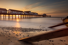 Sunrise at Southwold Pier (Albert's Photo's) Tags: southwold sunrise suffolk graham shaw seascape beach sea east anglia canon 5d mk4 lee filters long exposure 1634 f4